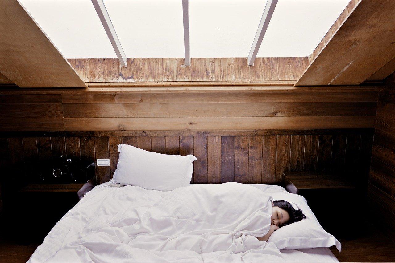 【実は睡眠時無呼吸症候群?】無呼吸がもたらす知られざる症状とは